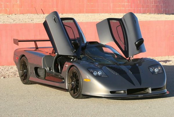 Топ-10 самых быстрых машин в мире