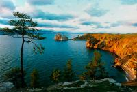 самое большое озеро России